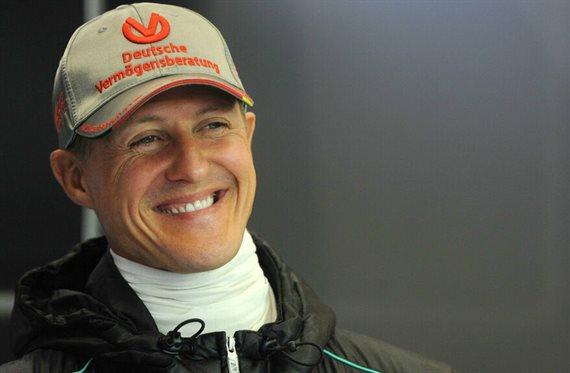 """El campeón ha vuelto: ¡Michael Schumacher """"está consciente""""!"""