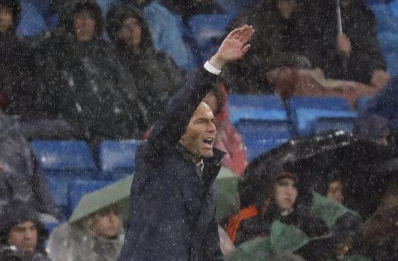Zidane no confía en él pero le tendrá que poner por obligación
