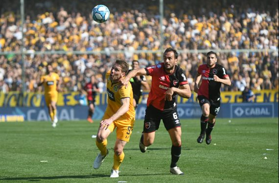 En un apasionante clásico, Rosario Central y Newell's empataron 1-1