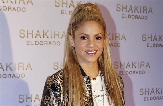 Shakira lo saca para afuera: ¡Lo tiene más grande que Kim Kardashian!