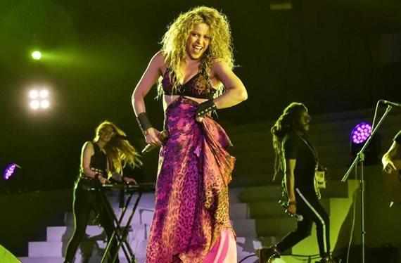 Shakira se quita 20 años de la cara: ¡Mira la foto!