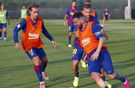 ¡Arde el vestuario! Messi y Suárez no se hablan con Griezmann por esto