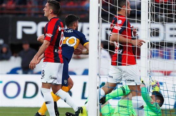 Boca derrotó 2-0 a San Lorenzo y se afianzó en la cima de la Superliga