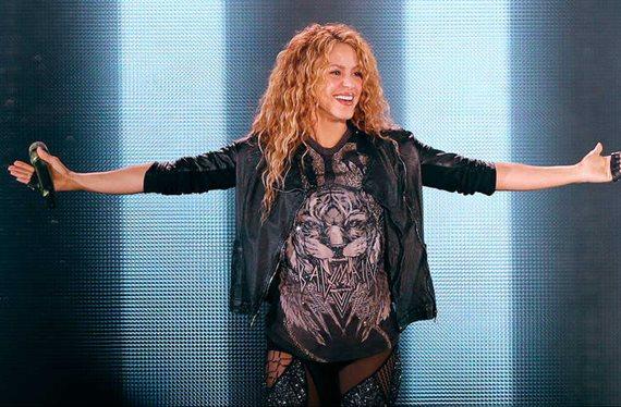 ¡Foto inédita! Shakira bañándose en el mar: ¡Parece una sirena!