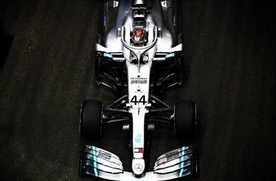 Lewis Hamilton está mosqueado con Mercedes ¡por esto!