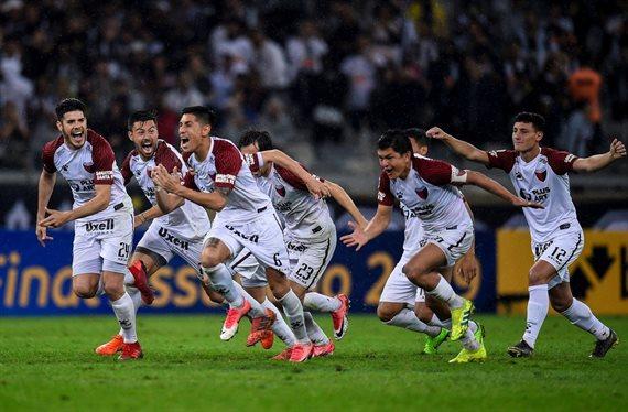 Colón hizo historia en Brasil y avanzó a la final de la Copa Sudamericana