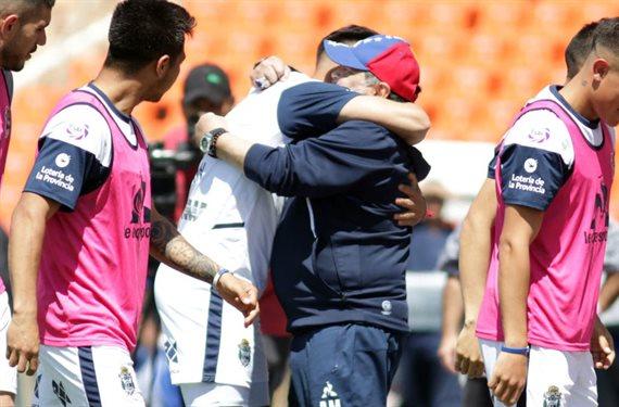 Gimnasia derrotó 4-2 a Godoy Cruz y Maradona obtuvo su primer triunfo
