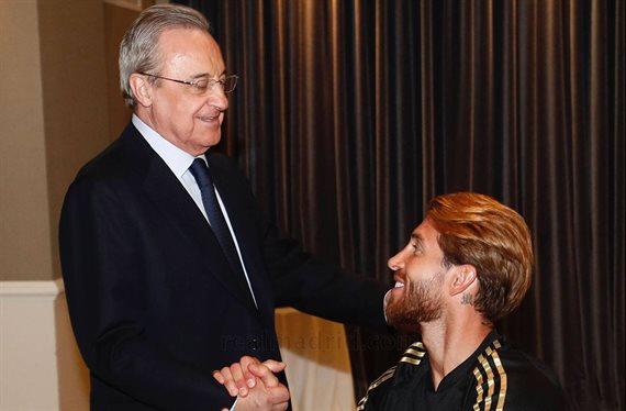 ¡Está en la calle! Florentino Pérez se lo carga ¡y Sergio Ramos se alegra!