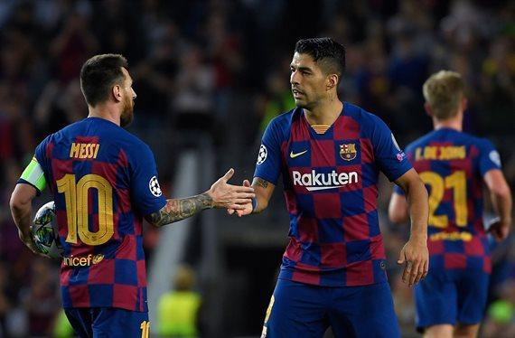 Luis Suárez y Messi lo echan a patadas: lío en el Barça