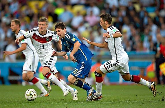 Argentina se enfrenta con Alemania en un amistoso colmado de emociones