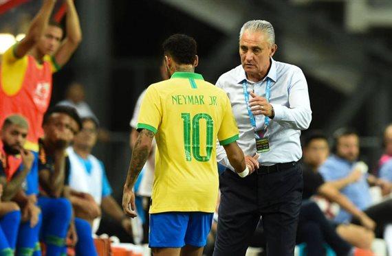 Neymar encarga dos fichajes para dejar el PSG e irse a la Juventus