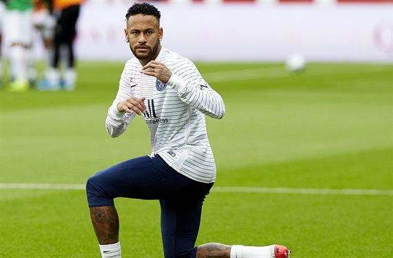 La foto bomba de Neymar (¡y es por su barriga!) que arrasa Europa