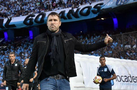 Coudet, entre la millonaria oferta del Inter y la confianza de Racing