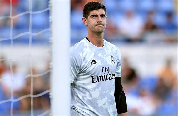 Quiere ser el sustituto de Courtois y llama a Zidane: se ofrece al Madrid