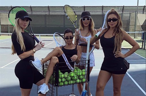 Kourtney Kardashian nombra reina a Amanda Lee ¡Por estas dos razones!