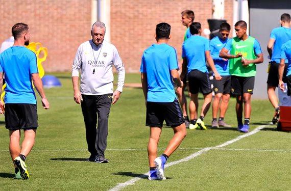 Boca: Gustavo Alfaro citó a todos los futbolistas para recibir a Racing