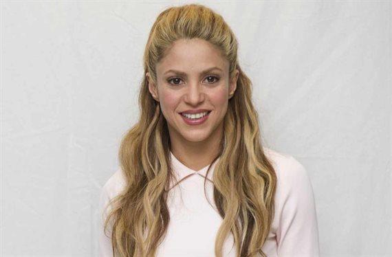 ¡Es la más corta! Shakira se la pone ¡y arrasa Barcelona!