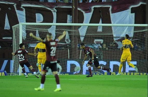 Boca sufrió un nuevo golpe ante Lanús y no logró continuar como líder
