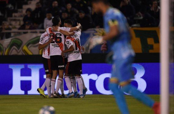 River derrotó 2-1 a Aldosivi y alcanzó la cima de la Superliga