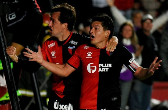 Colón busca su primer título internacional frente a Independiente del Valle