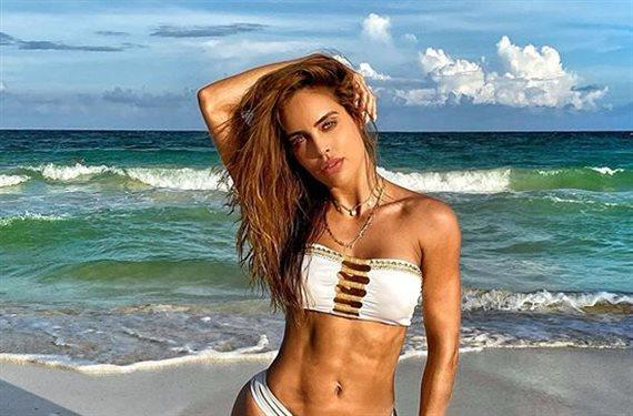 ¡Brutalidad! Sara Corrales enseña esto en la playa: ¡Foto bomba!