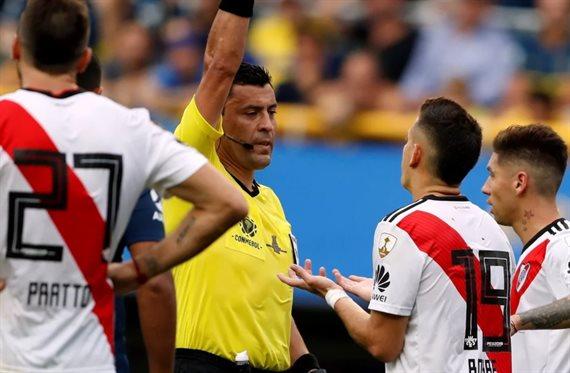 El balance positivo de River con Roberto Tobar, el árbitro de la final