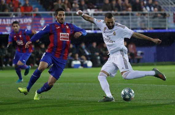 Lo que le faltaba al Madrid ¡Llega una oferta tremenda por Benzema!