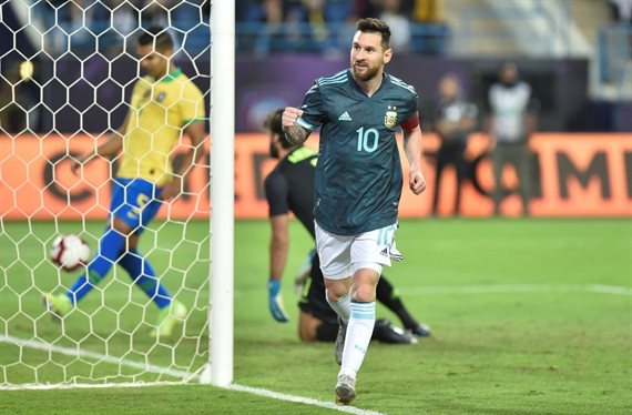 Con gol de Messi, Argentina venció 1-0 a Brasil en un amistoso esperanzador
