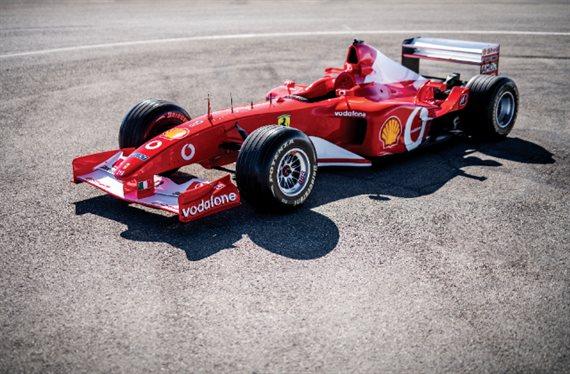 ¡¡Esto es increíble¡¡ Schumacher vuelve y conduce el Ferrari de 2002