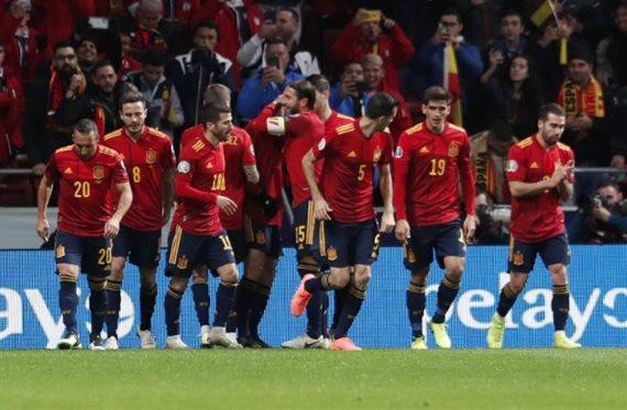¡Fichaje en el España-Rumanía! Zidane se lo lleva al Real Madrid