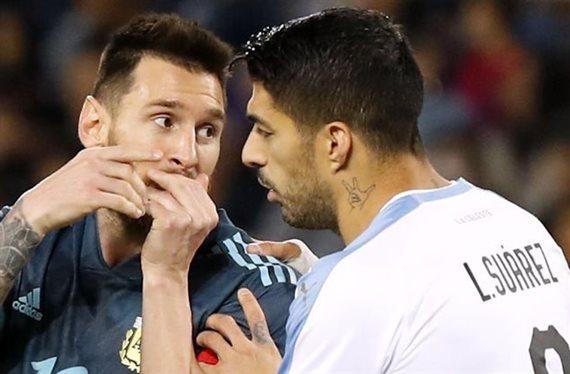 ¡Se citaron para pegarse! La pelea más fea de Messi y Luis Suárez