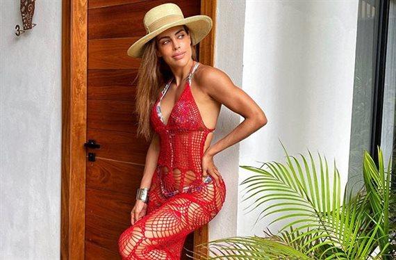 ¡Insuperable! Sara Corrales lo enseña en la piscina: ¡No verás nada igual!
