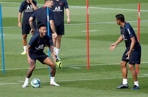 ¿Qué hizo Neymar en el entreno del PSG para recibir esa tremenda pitada?