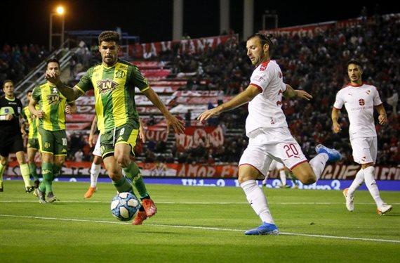 En un partido friccionado, Aldosivi e Independiente empataron 0-0