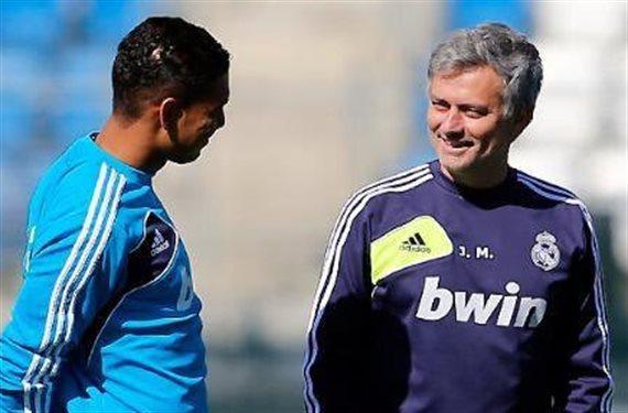 Florentino Pérez indignado: Mourinho se lleva a un viejo amigo a Londres