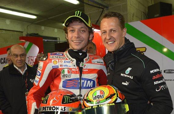 ¡Brutal! Valentino Rossi llega a la Fórmula 1 y le roba el asiento a Bottas