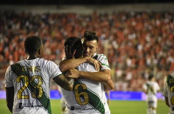 Banfield derrotó 1-0 a Independiente y agudizó su crisis futbolística
