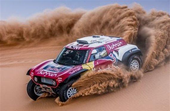 ¡Carlos Sainz lo tiene hecho! Su tercer Dakar en la mano