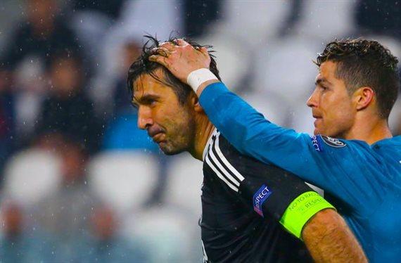 ¡Brutal! Cristiano Ronaldo jubila a Buffon y ficha al mejor portero
