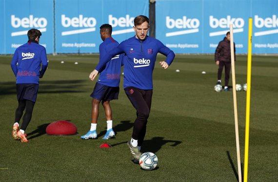 Quique Setién apuesta por ellos y ¡Piqué y Messi no dan crédito!