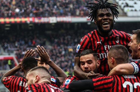 El Milan subasta a su medular ¡Inter y Atleti al acecho e Ibra flipa!