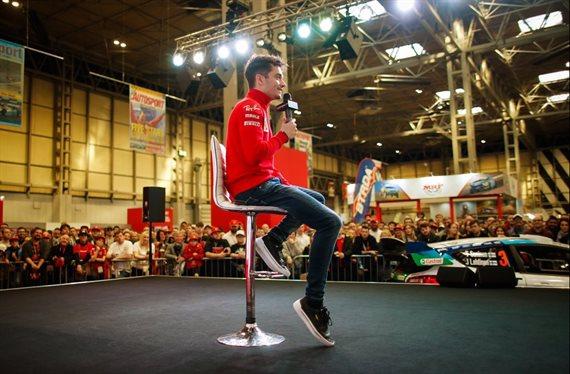 Tiembla hasta la tierra: ¡mira cómo suena el nuevo Ferrari!