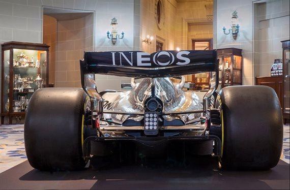 Mercedes sorprende y desafía a Ferrari ¡Ojo al W11: tiene rojo!