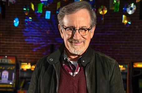 ¡No nos vengas con cuentos! Steven Spielberg lo intenta y ¡se la juega!