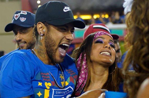 Neymar lo comunica y Mbappé reaciona con enfado. Sabe que Ney es el líder