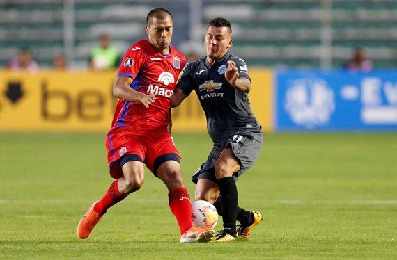 El Tigre alternativo sufrió en la altura de La Paz y perdió 2-0 con Bolívar