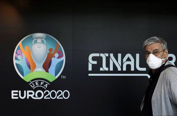 La UEFA aplazó la Eurocopa hasta 2021 para que puedan finalizar las ligas