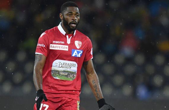 Escándalo en Suiza: Sion echó a nueve futbolistas por una rebaja salarial