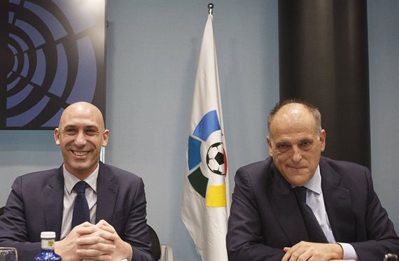 España suspendió todos los certámenes de fútbol por tiempo indeterminado