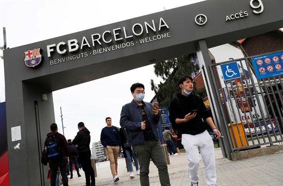 Se habrían confirmado dos casos de coronavirus en el Barcelona